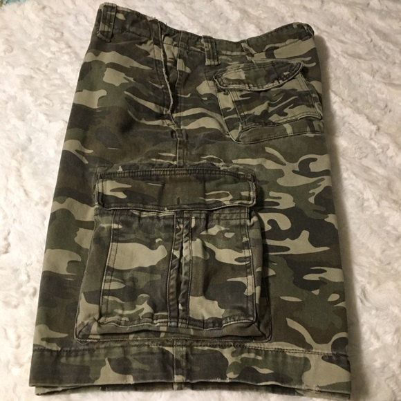 No Boundaries Other - Men's camo cargo shorts